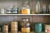 first-eet_gouden-en-groene-kast-first-eet-cafe
