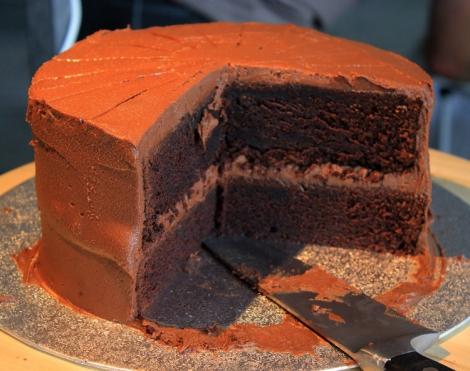 Ja, deze 'double layered chocolate cake' smaakte net zo goed als die er uit ziet :)
