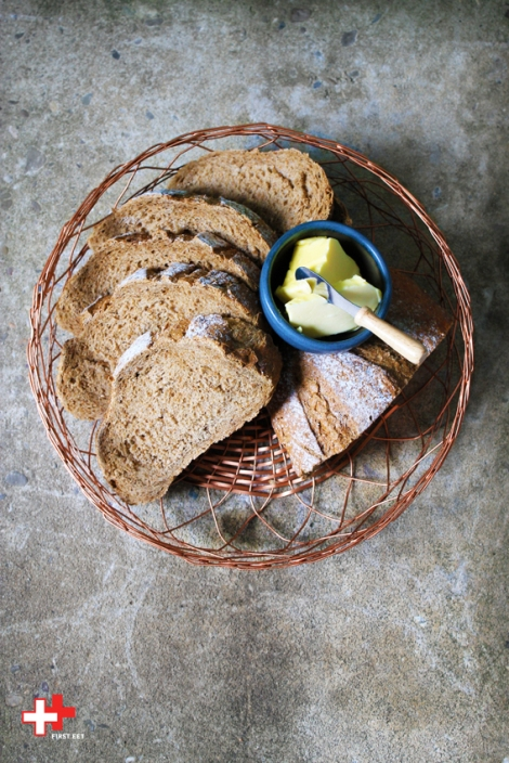 Mooi en handig voor op tafel, deze koperkleurig (brood)mandje.