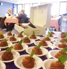 Crewcatering De Dijk: chocolade mousse als toetje
