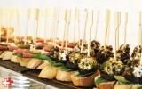 Bruschetta's! Favoriet is die met rode biet en een geitenkaasbolletje gerold door pistachenootjes en cranberries.