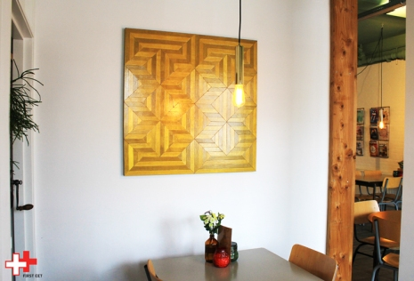 First Eet Cafe_expositie Milo_groot mozaiktegel